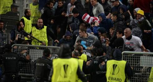 Локо против полиции турецкой