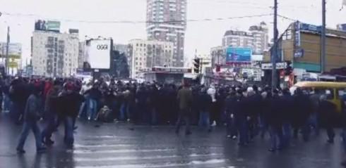 драка фанатов ЦСКА и Спартака на улице 1905 года 11 марта 2006