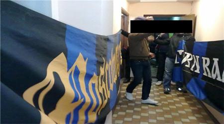 Фанаты Локомотива подрезали баннеры Сатурна