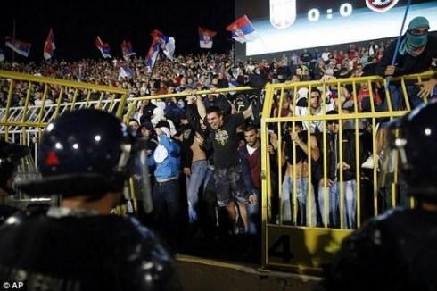 сербия албания беспорядки