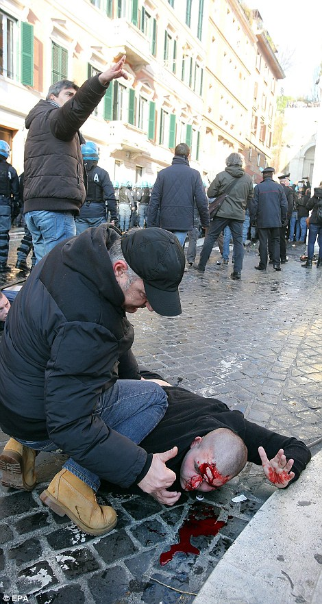 Голландские фанаты Фейенорда в Риме