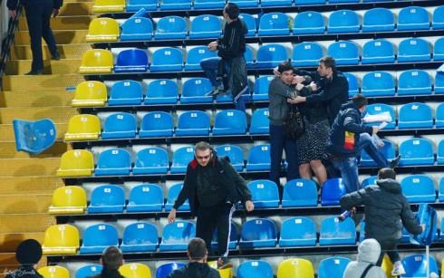 драка на матче Ростсельмаш - Ротор 26.03.2014