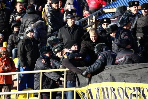 полиция на матче Луч - СКА