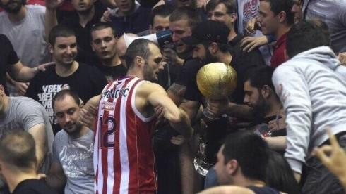 фанаты Црвены Звезды украли кубок сербии по баскетболу